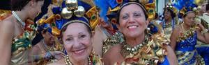 Foliões curtem bloco Flor de Lira no último dia do carnaval de Olinda (Katherine Coutinho/G1)