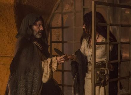 Mão de Luva e Simão resgatam Ascensão da cadeia