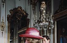 Veja Harry e William em batizados com traje similar ao de George