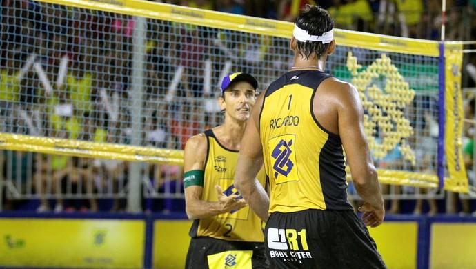 Ricardo e Emanuel chegam a mais uma final na carreira  (Foto: Paulo Frank/CBV)