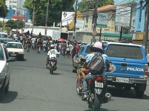 Protesto deixou trânsito complicado no bairro de Nazaré, em Salvador (Foto: Naiá Braga/ G1)
