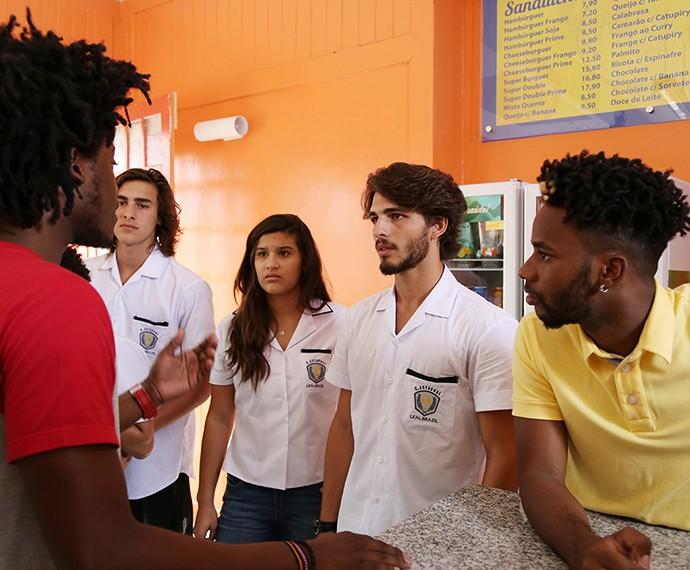 Galera do Leal e do Dom quer fazer evento fechado na lanchonete (Foto: Carol Caminha/Gshow)