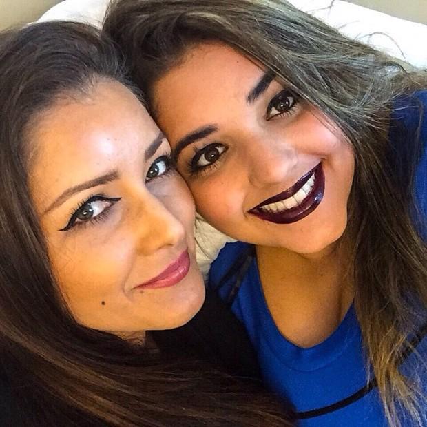 Nana Gouvea e a filha Daphynie (Foto: Reprodução / Facebook)