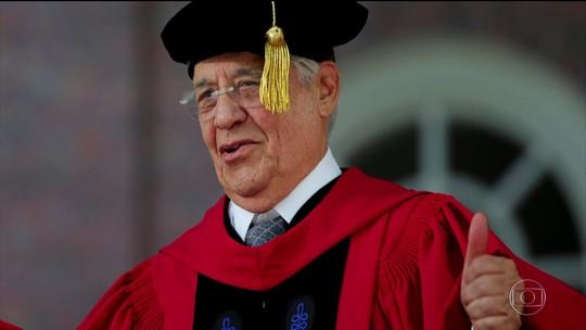 Harvard concede título honoris causa a Fernando Henrique e Spielberg