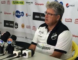 Geninho - técnico do ABC (Foto: Augusto Gomes/GloboEsporte.com)
