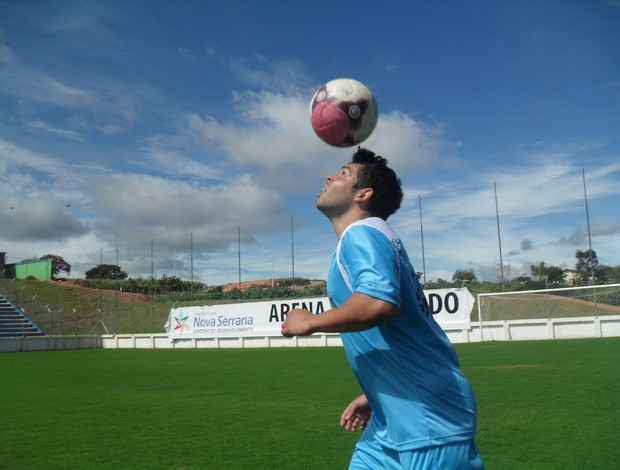 Kerlon, atacante Nacional-MG (Foto: Cleber Corr&#234;a/GLOBOESPORTE.COM)