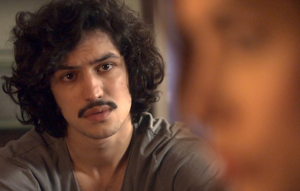 Gustavo diz para Rimena desistir do casamento com Renato (Foto: TV Globo)