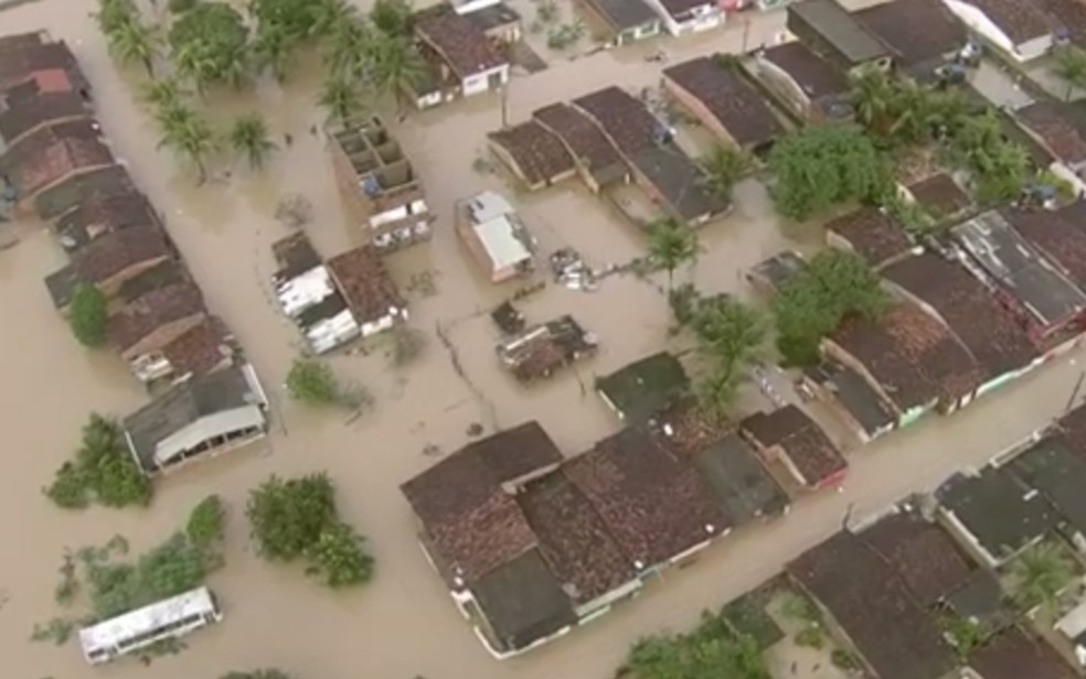 Ribeirão, na Zona da Mata Sul de Pernambuco, registrou maior chuva desde 1982 (Foto: Reprodução/TV Globo)