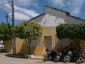 Casa do emprensário é localizada no Centro da cidade (Foto: Reprodução/ TV Asa Branca)