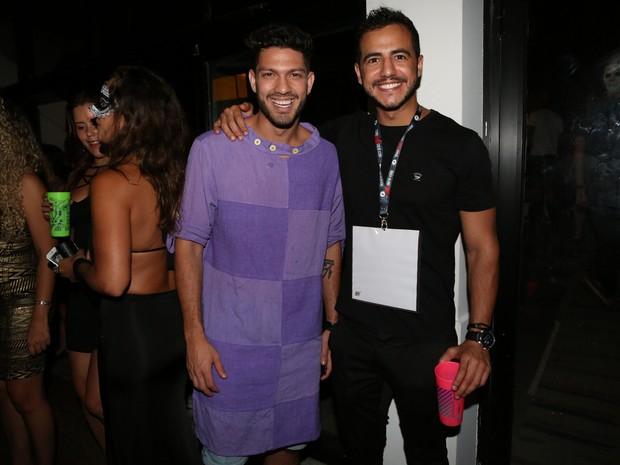 Ex-BBBs Luiz Felipe e Matheus em festa na Zona Sul do Rio (Foto: Reginaldo Teixeira/ Divulgação)