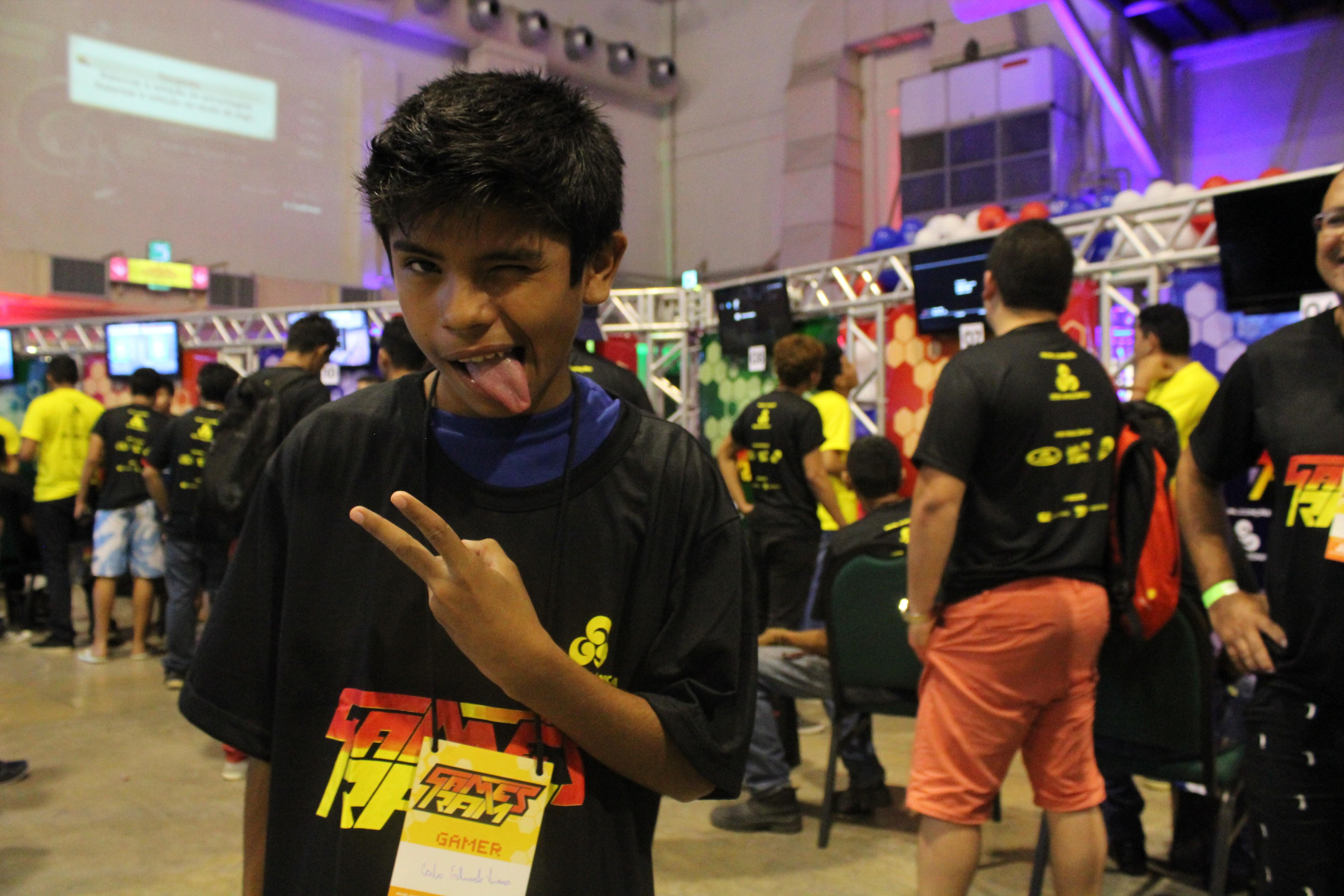 Carlos Eduardo Viana, de 12 anos, é um dos competidores do Games RAM (Foto: Katiúscia Monteiro/ Rede Amazônica)