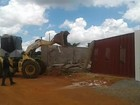 GDF inicia derrubada de casas em condomínio criado em área da União