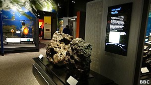 O Museu de História Natural em Washington tem um grande acervo de meteoritos (Foto: BBC)