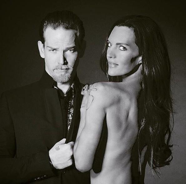 Sean Brosnan e a esposa Sanja Banic (Foto: Instagram)