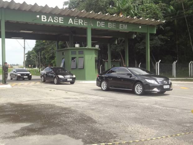 Ministro Joaquim Barbosa chega a Belém para encontro do judiciário (Foto: Luana Laboissiere/G1)