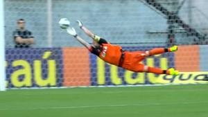 Paulo Victor voa para impedir gol de Wendel, do Sport (Foto: Reprodução SporTV)