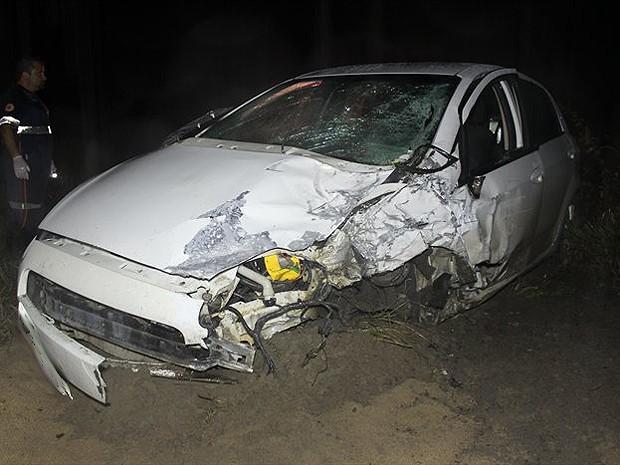Acidente matou pai e filha, de 6 anos, em Teixeira de Freitas, na Bahia (Foto: Site Sulbahianews)