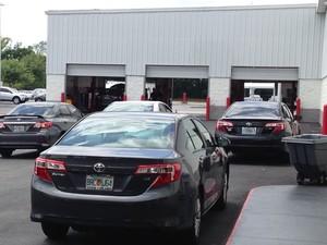 Concessionária de carros da Toyota na Flórida (EUA) (Foto: Denis Marum/G1)