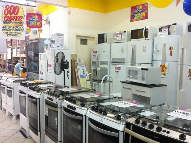Estoque das lojas deve ajudar a manter preços dos produtos da linha branca com o IPI reduzido (Foto: Henrique Corrêa/G1)