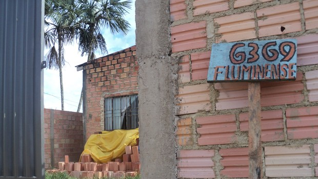 Bairro Lagoa, em Porto Velho, tem ruas com nomes de times - Fluminense (Foto: Shara Alencar/GloboEsporte.com)