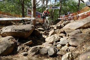 Natureza aguarda os ciclistas com bons obstáculos. (Foto: Solando Henrique)