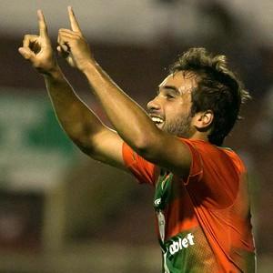 Gabriel Xavier gol Portuguesa (Foto: Rodrigo Gazzanel / Ag. Estado)