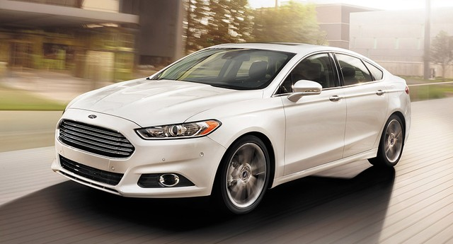 Ford Fusion 2.0 EcoBoost Titanium  (Foto: Ford)