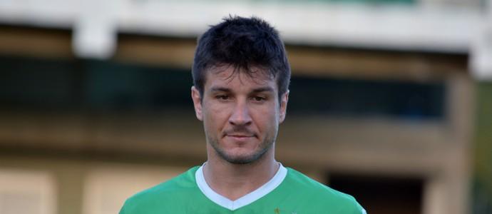 Tiago Gasparetto zagueiro Guarani (Foto: Murilo Borges)
