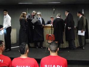 Primeiro dia do júri popular de seis denunciados pelo homicídio. (Foto: Pedro Triginelli/G1)