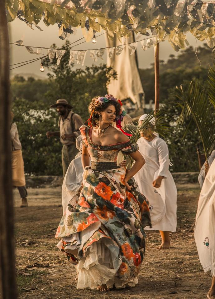 Leonor dança na Roda de São Gonçalo (Foto: Adriana Garcia/ Gshow)