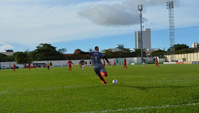 Fernando, goleiro do Vilhena (Foto: Jheniffer Núbia)