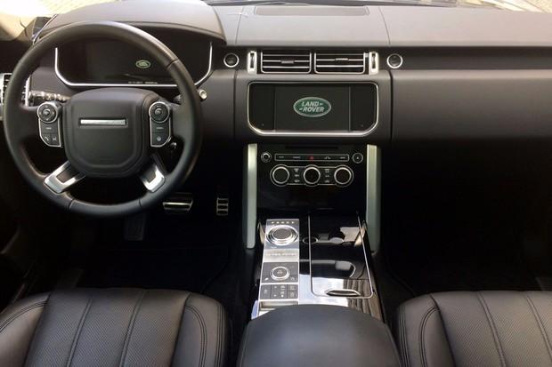 Range Rover ganha versão limitada Black para Vogue e Autobiography (Foto: Divulgação)