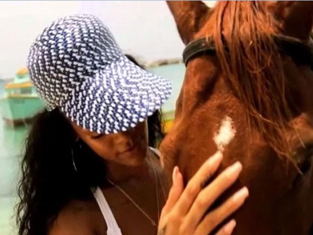 Frame do vídeo de Rihanna em Barbados - campanha do Visit Barbados (Foto: Reprodução)