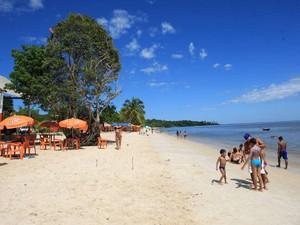 Praia de Caripi, em Barcarena, nordeste do Pará. (Foto: Igor Mota/Amazônia Jornal)
