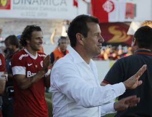 Dunga contra o São Luiz (Foto: Diego Guichard/GLOBOESPORTE.COM)