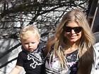 Filho de Fergie rouba a cena em plantação de abóbora de Los Angeles