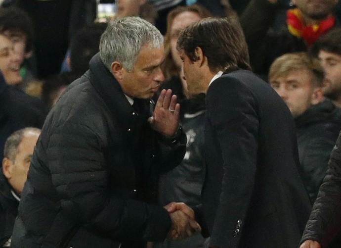 José Mourinho e Antonio Conte, Chelsea x Manchester United (Foto: Reuters / John Sibley)