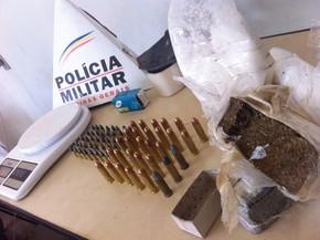 Materiais apreendidos em Patrocínio (Foto: PM/Divulgação)