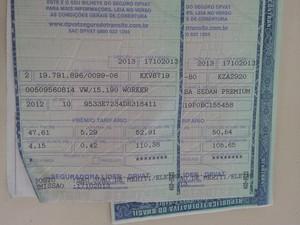 Documentos apreendidos na operação (Foto: Guilherme Brito/G1)