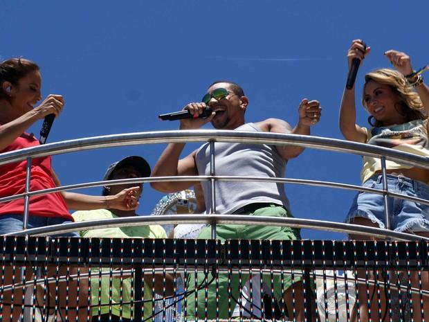 Ivete, Naldo e Alinne Rosa no arrastão (Foto: Egi Santana/G1 BA)