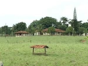 Mulher é morta pelo marido na fazenda de Amado Batista, diz polícia em Goianápolis, GOiás (Foto: Reprodução/TV Anhanguera)