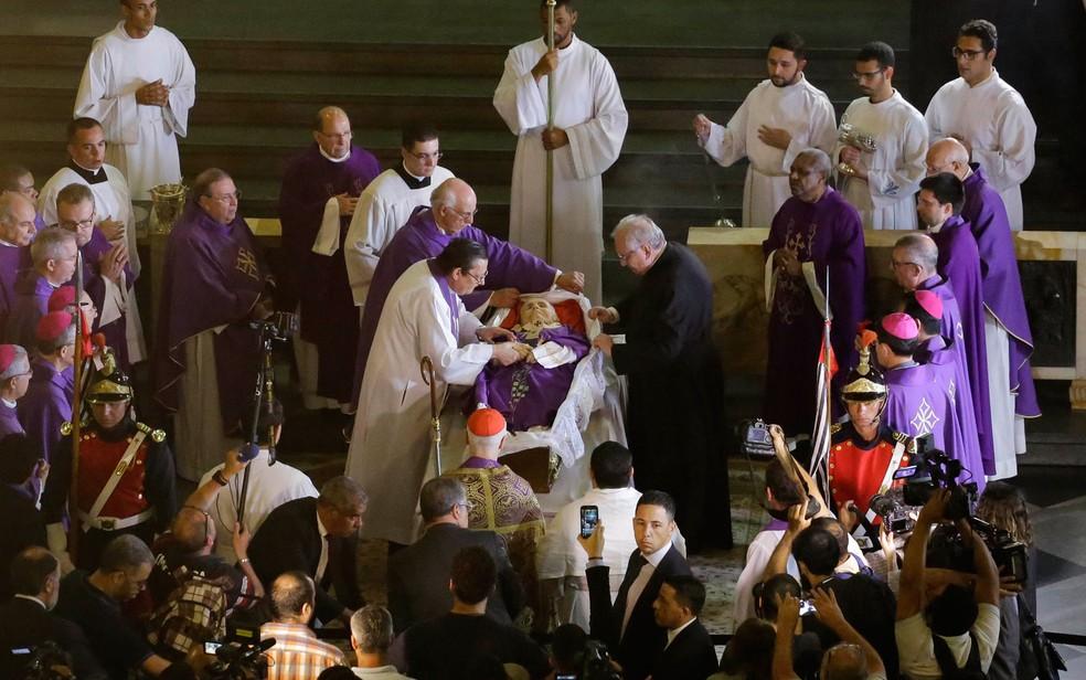 Corpo de Dom Paulo Evaristo Arns é velado na Catedral da Sé (Foto: Nelson Antoine/Framephoto/Estadão Conteúdo)