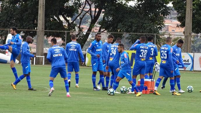 Treino do Cruzeiro na manhã deste sábado, na Toca da Raposa II (Foto: Marco Antônio Astoni - GloboEsporte.com)