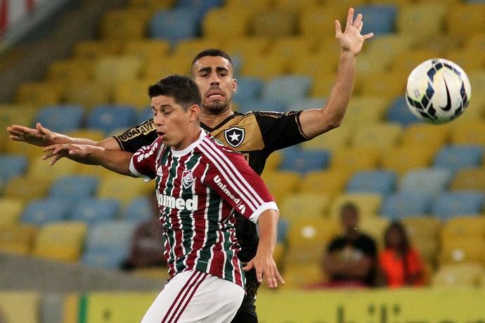 Gabriel Conca Botafogo Fluminense (Foto: Vitor Silva / SSPress)