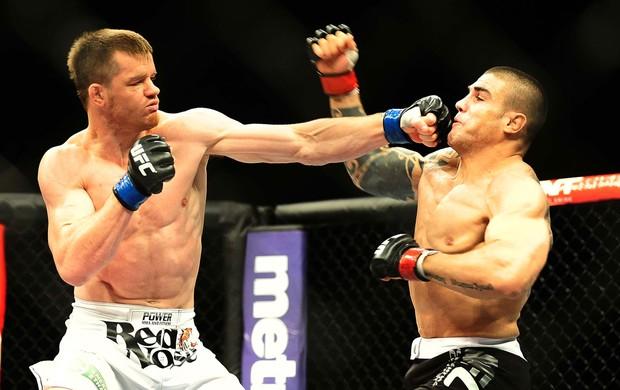 UFC São Paulo CB Dollaway venceu Daniel Sarafian  (Foto: Marcos Ribolli / Globoesporte.com)