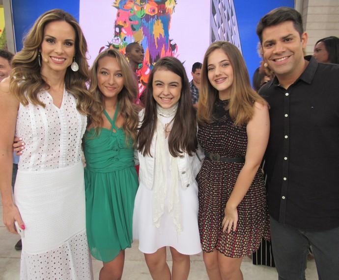 Ana e Lair com as meninas que arrasaram no The Voice Kids (Foto: Priscilla Massena/Gshow)