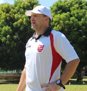 PC Schardong, treinador Flamengo-PI (Foto: Abdias Bideh/GloboEsporte.com)