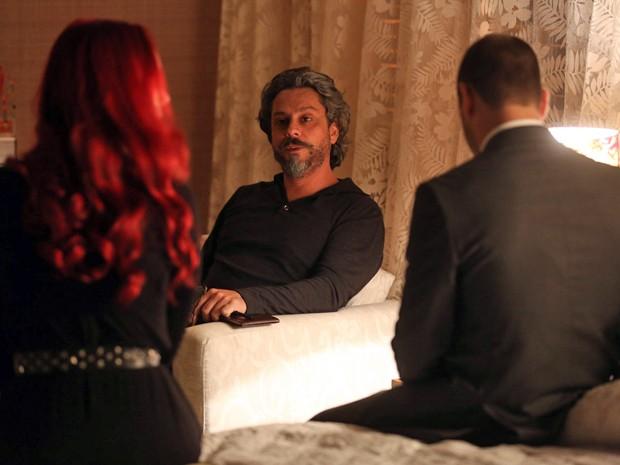Zé pede para Du e Lucas não falarem com ninguém sobre o encontro deles (Foto: Pedro Curi/TV Globo)