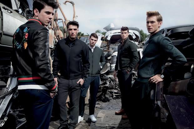 A partir da esquerda: jaquetas Gucci, R$ 18.550, Hugo Boss R$ 2.555, VR R$ 599 e Siberian R$ 400 (Foto: Franco Amendola)