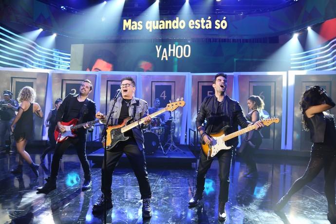 A banda Yahoo cantou o sucesso 'Mordida de Amor' (Foto: Carol Caminha/Gshow)